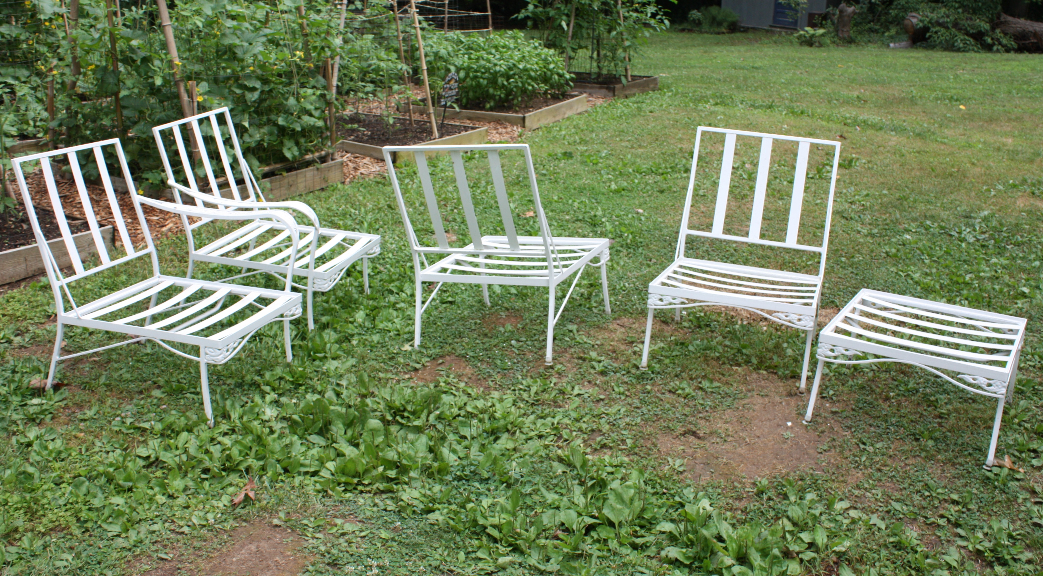 Here Are The Frames Separated Into Individual Pieces Of Our Vintage Patio  Set.
