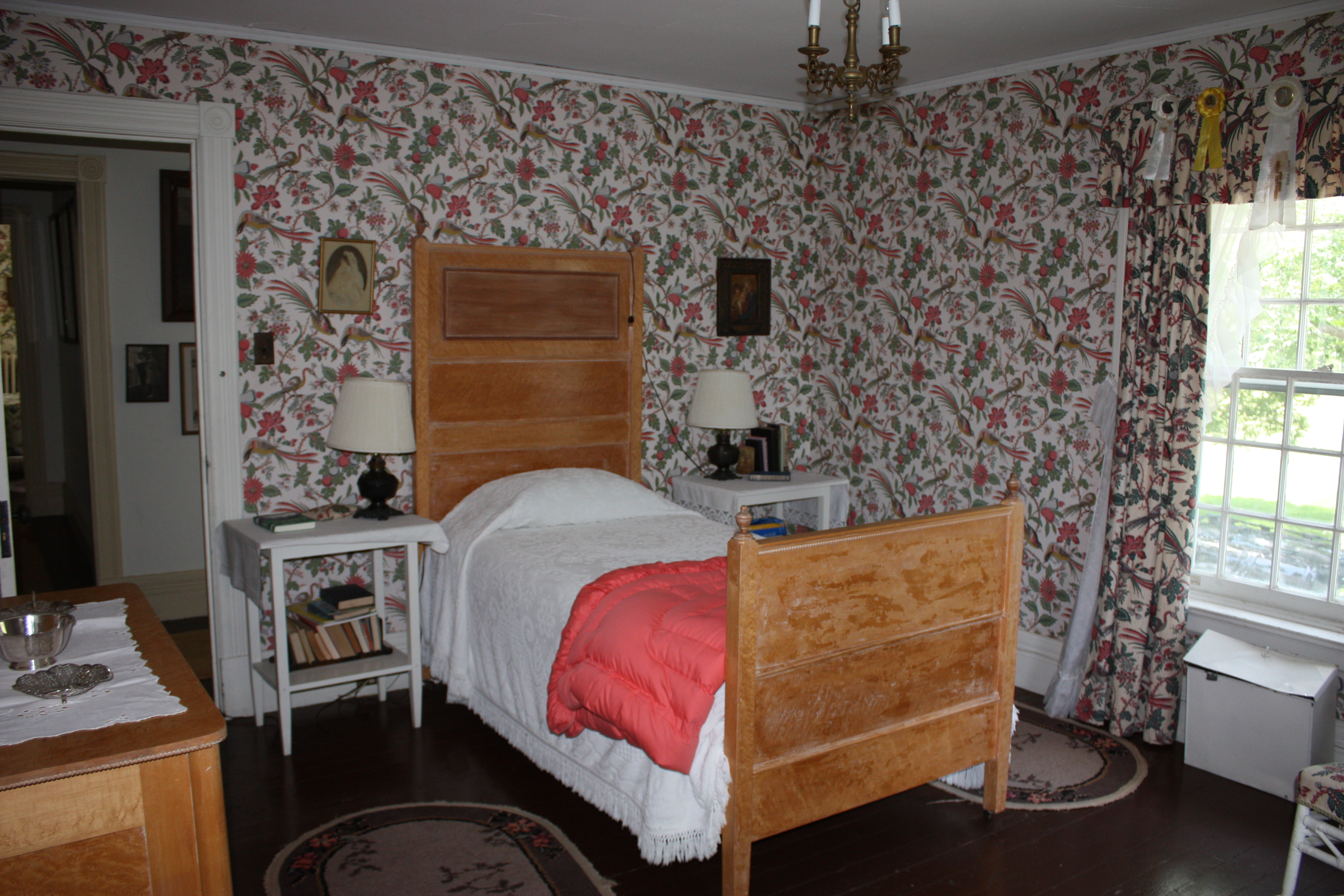 family bedrooms in an 1880s lodge let s face the music rh charlieandjo wordpress com 1980s bathrooms 1980s rooms