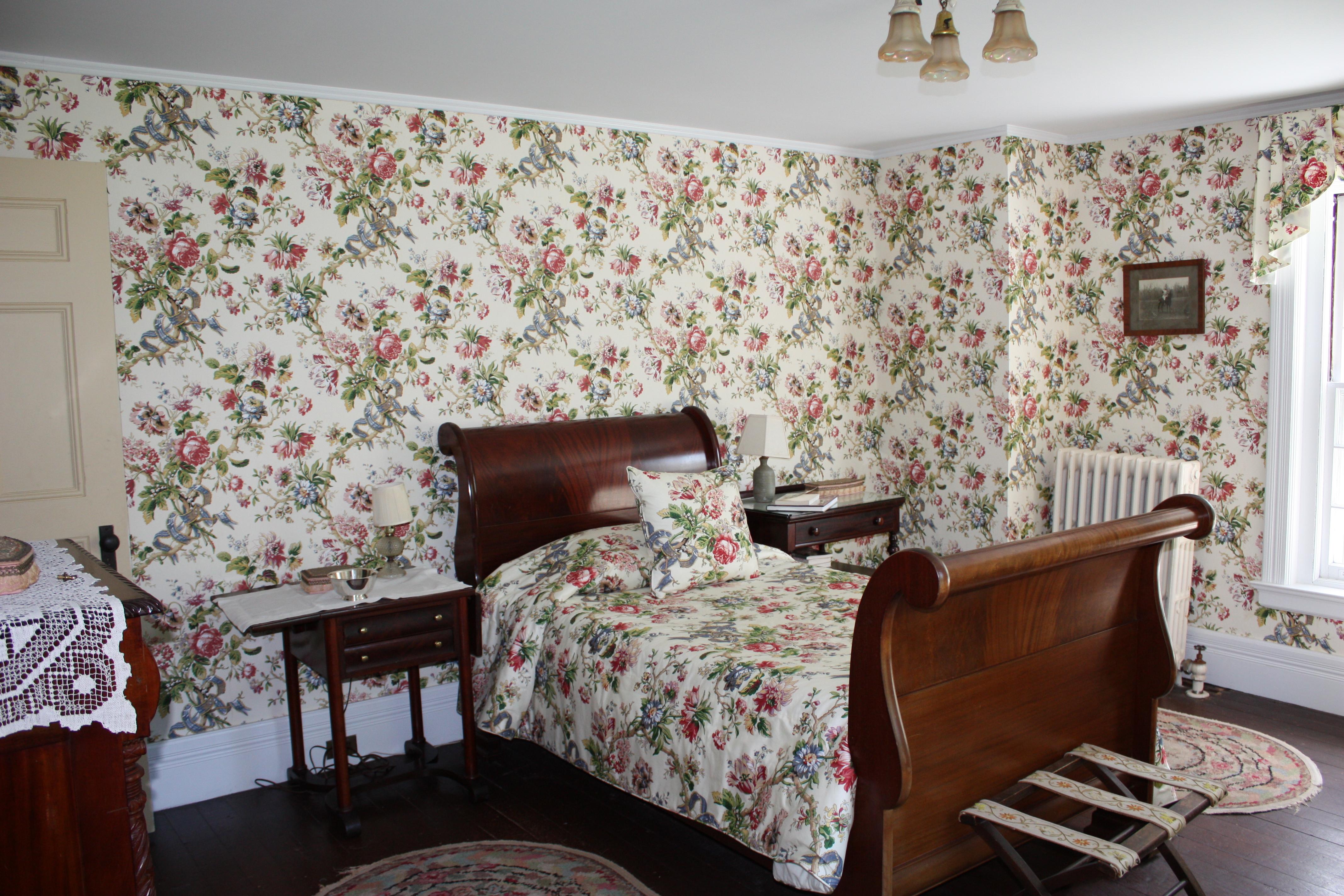 family bedrooms in an 1880s lodge let s face the music rh charlieandjo wordpress com 1980s bathroom decor 1980s bathroom decor