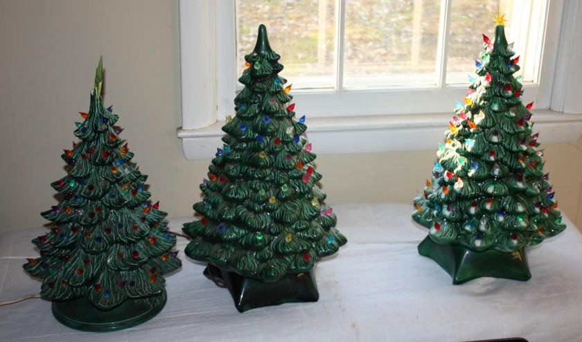 3 green ceramic Christmas trees