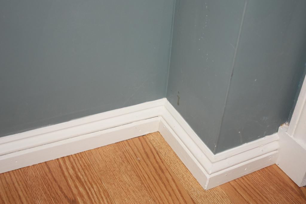 Baseboard upgrade let 39 s face the music for Cost to paint baseboard