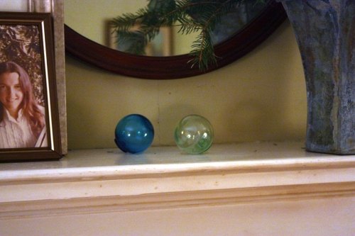 3 glass balls (one not shown) carry the color theme of green and turquoise.