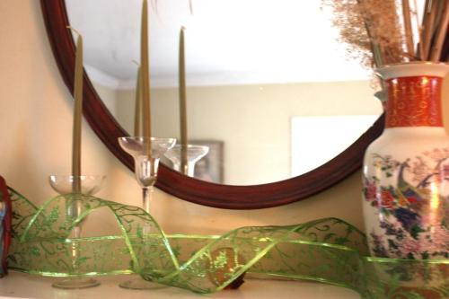 Ribbon and crystal candle holders add a bit of sparkle.