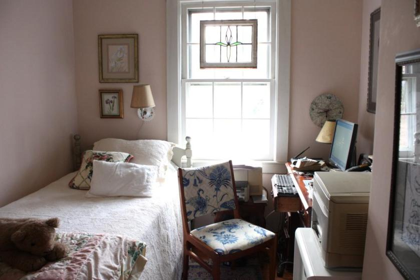 The pink bedroom called the Diva Room.