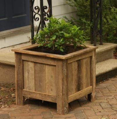 A rustic planter made from salvaged wood.  FREE!