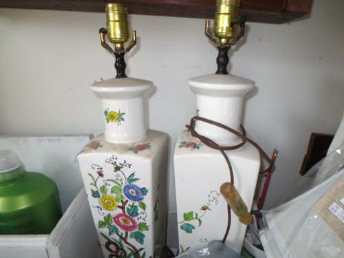 A pair of lamps