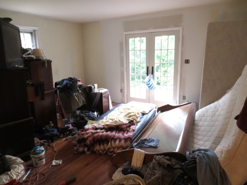 Master bedroom. YIKES!!!