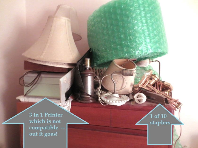 The lamps, lampshades, and bubble wrap I'm saving. Bye bye you other clutter.