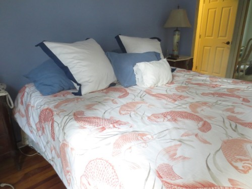 I like the bed made with freshly laundered, odor-free bedding.