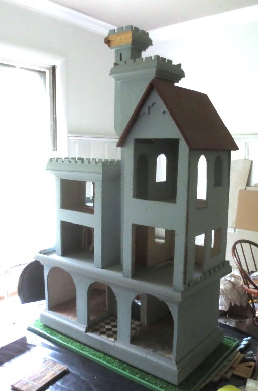 Back of the castle with openings for decorating play.