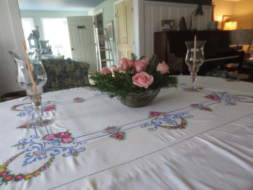 I chose a hand-embroidered tablecloth and napkins from Holland to go with pink details.