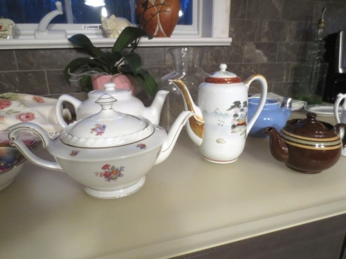 """The Franconia teapot (""""Gretchen"""" pattern) was purchased in 1935 Berlin by my son's great-grandfather."""