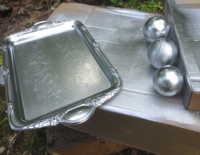 I sprayed 3 old balls and a gold tray.