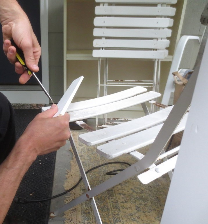 Instead of re-riveting the slats, we used nuts and bolts.
