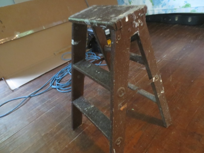 The little ladder only useful for decoration was sold for $10.