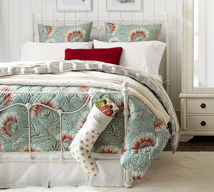 The Leona comforter would be a beautiful addition to Glade Cottage cranberry/aqua décor.