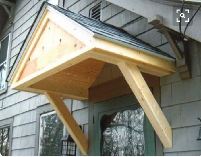 This roof with a closed front seems more substantial.