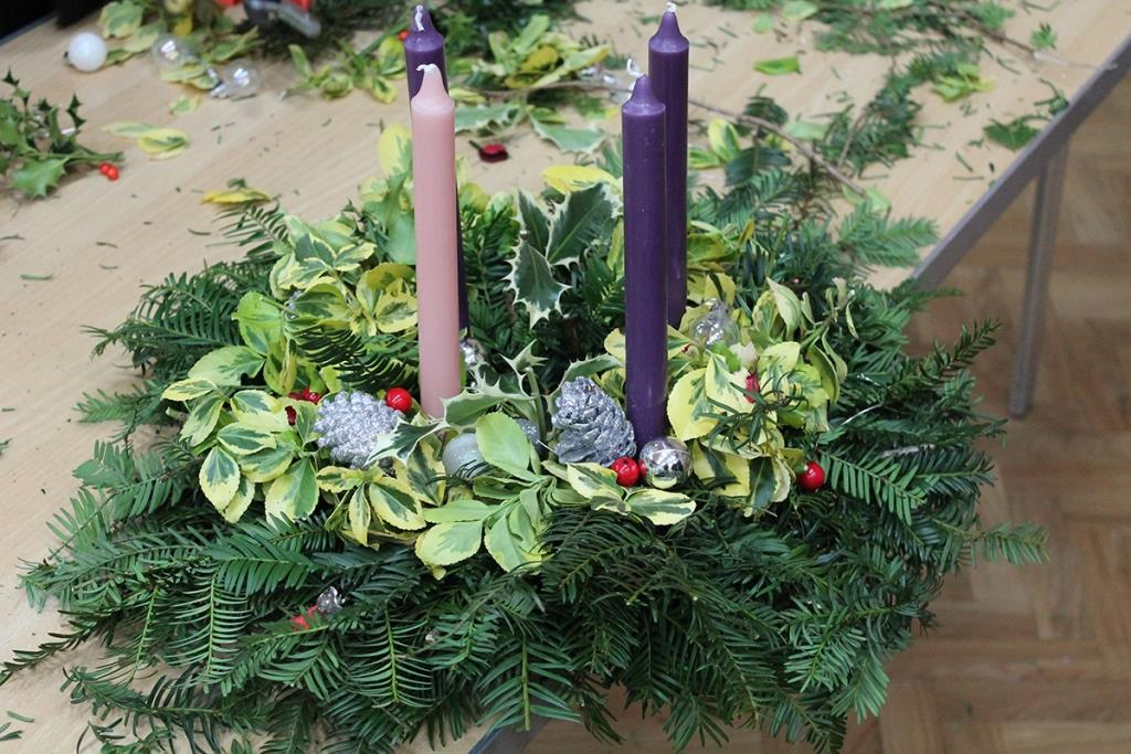 how to make an advent wreath with 4-8yr olds